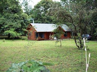 """Hermosa Cabana camino Villarrica Pucon  """"molco"""",  en un gran parque natural"""