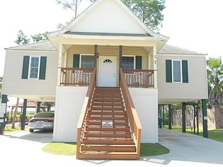 3 Bedrooms,2 bathrooms, Sleeps 8, Pass Christian