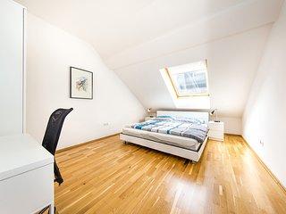 Vienna Calling - sun-filled, modern attic flat