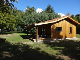 Brand New wooden lodge next to Forrest & Nr.Beach, Mezos