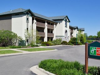 Holiday Inn at Lake Geneva Resort