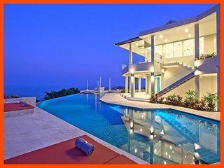 Villa 47 - Fantastic sea views (3 BR option) continental breakfast included