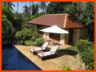Villa 63 - Walk to beach (2 BR option) continental breakfast included, Choeng Mon