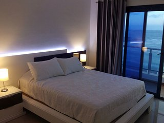 Apartament in first sea line (WiFi+A/C)