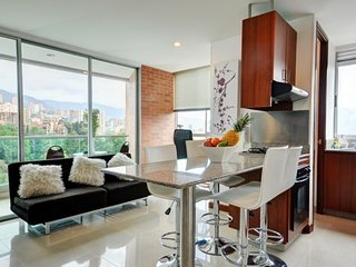 Modern Comfortable Condo with Pool, Medellín