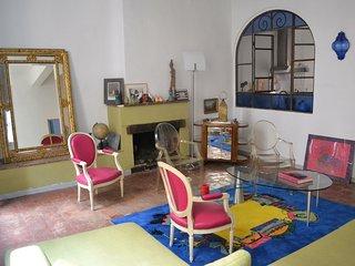 Maison atypique centre ville, terrasse+jardin,WiFi, Aix-en-Provence