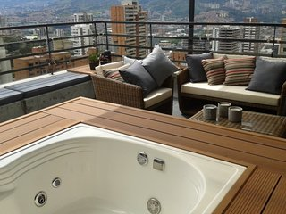 Luxury Penthouse with Jacuzzi