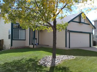 Cozy 2 Bdrm HM - near Shopping, Dining, Movies +++, Colorado Springs