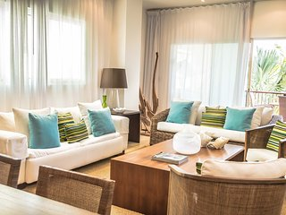 Beach Aquamarina Condo