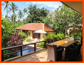 Villa 63 - Walk to the beach continental breakfast included