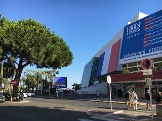 Cannes Center Carnot - Railway Station - Festival