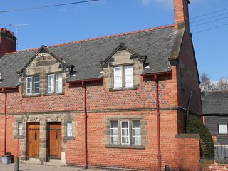 Grade 2 Listed Overleigh Cottage
