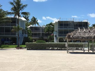 Secluded Stunning Oceanview Townhome, Islamorada