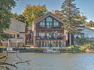 3BR Lake View House w/Waterfront Location!