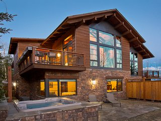 3 Bedroom Luxury Teton Village Residence