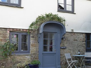 Cider House romantic roses over the door cottage, Totnes