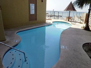 Galleon Bay #208 Bayfront W/boatslip,pier & Pool