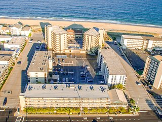 Ocean Side Condo WAVES With 2 BR. Sleep 6, Ocean City