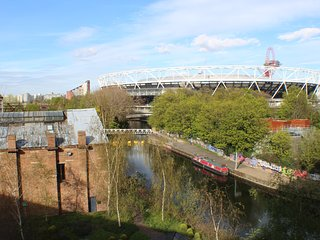 5* Riverside views next to the Olympic Park, London