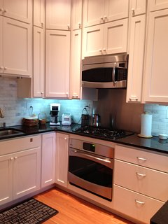 Wonderful kitchen with high end appliances and completely stocked with nice dishes and essentials.