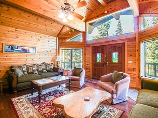 Spacious ski chalet w/ private hot tub, on-site golf, shared dock, & pool