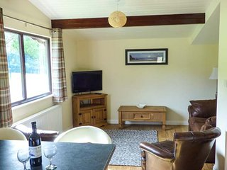 SNOWDROP, ground floor lodge, WiFi, dog friendly, in wonderful grounds, in Saltburn, Ref. 946463, Saltburn-by-the-Sea