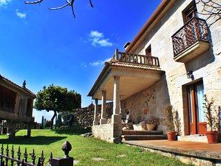 Ref. 11462 Formidable casa de piedra en Combarro