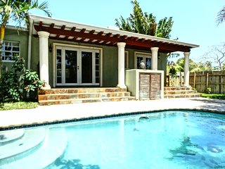 3/2 Beautiful Pool home 2 miles from Hollywo Beach