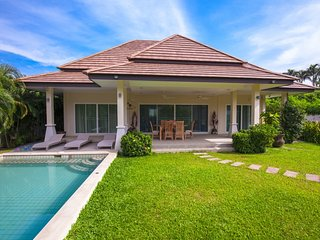 3 Bedrooms Private Pool Villa & Garden in Rawai - Pacotte