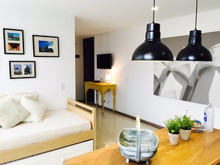 CHARMING LOFT IN EL POBLADO / METRO STATION