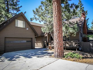 1010-Finch Chalet, Big Bear Region