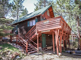 Bonita Cabin Adorable 2BR Chalet Walk To Lake / Sun Deck