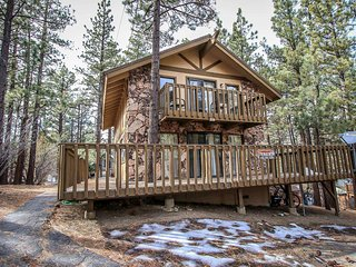 1233 - Nestled Within the Trees - 2 FREE Kayak/Bike Rentals!