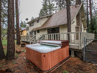 All Season Alpine Retreat Spacious 3 BR Sauna /Spa