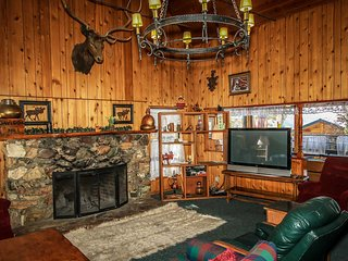Moosehead One Cabin~Awesome Deck With BBQ~Furnished Kitchen~WiFi~Pets Welcome~