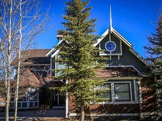 664-Storybook Lakefront, Big Bear Region