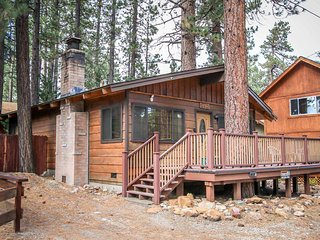 ~Casa Catalina~Single Story Walk To Lake Cottage~Great Essentials Included~