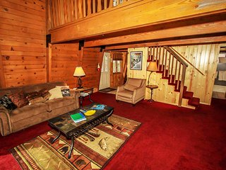 ~Summit Paradise~Great Master Suite With Foosball~Central Location~