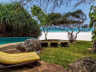 Tequila Sunrise Beach Villa - Diani Beach - Kenya