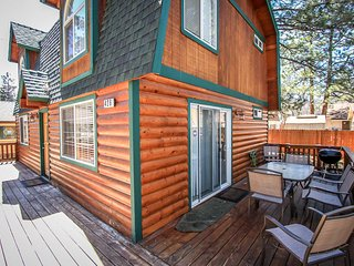~Cabin A Good Time~Sugarloaf Log Cabin~Fenced~Pets Welcome~Minutes To Town~