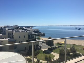 Stunning oceanfront apartment, Bunbury