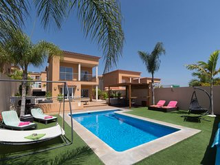 Stunning 3 Bedroom Villa. New Build. Private Heated Pool. Puerto Santiago |VER