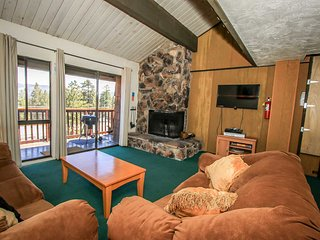 Ski Haus Condo~Private Outdoor Spa~Fully Furnished~Central Location~Washer/Dryer