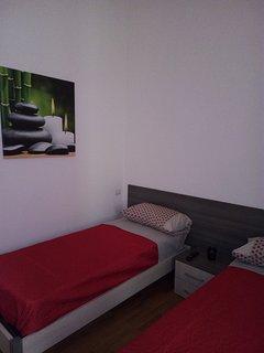 camera da letto con lettini