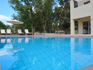 Beautiful two bedroom villa with pool and privacy