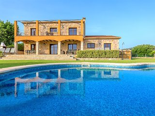 Es Coster de na Llusia. Luxury villa. 4 bedrooms 8 people. Stunning sea views.