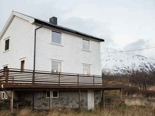 6 bed (10p) cabin in stunning Lofoten countryside