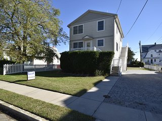Cape May 3 Bedroom, 1 Bathroom House (5959)