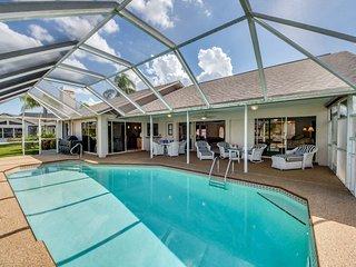 Villa Blue Sky ~ Direct Gulf Sailboat Access ~ Kayaks & Pool Table!