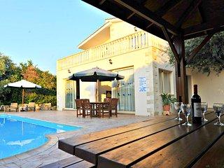 Argaka Beach Location - 4 Bed Villa - Private Pool